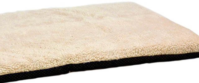 Fleece surface of the K&H thermo orthopedic bed