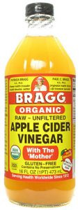 Apple cider vinegar as a natural remedy for dog fleas